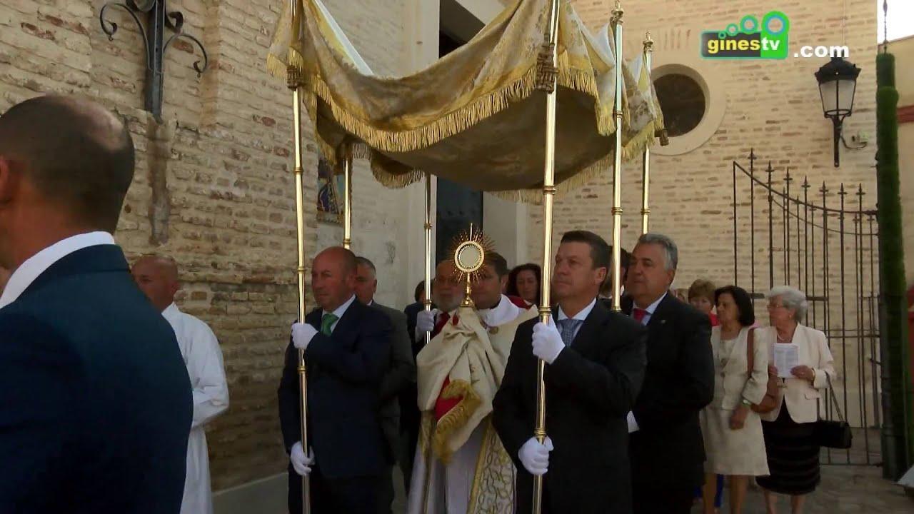 Gines celebró el Corpus Christi en una mañana llena de esplendor