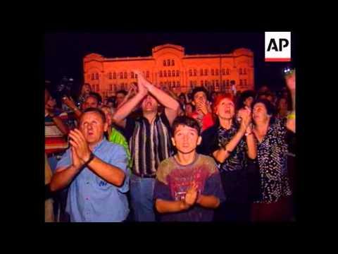 Bosnia - Television stations back Plavsic