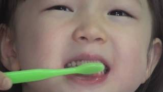 Bright Smiles - How to Brush Your Child's Teeth