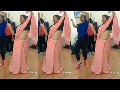 Vidya balan rare hot saree navel show thumbnail