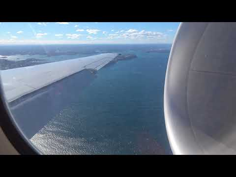 (Crazy Spool with Strong Winds) Qantas Boeing 717-200 Landing At Sydney International Airport