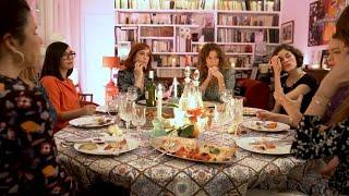 TOUTES NUES - À TABLE AVEC BRIGITTE