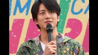 俳優の溝端淳平(27歳)が4月12日、都内で行われたスターバックス初のフ...