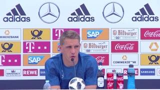 LIVE aus Südtirol: Pressekonferenz mit Oliver Bierhoff und Nils Petersen