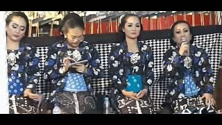Download Lagu Selendang Biru Buat Penggemar Di Korea Mbak Prastiwi Wargo Laras MP3
