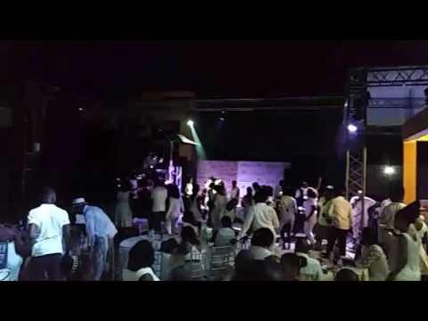 Festa fim de ano Réveillon 2016 a 2017 Luanda Angola