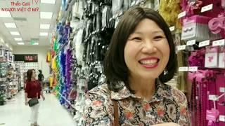 Người Việt ở Mỹ, mua sắm trang phục cho lễ Halloween