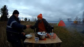 На рыбалку на катере казанка на один из островов озера Онего Готовка на Финской свече Выпивка 18