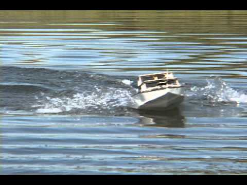 Electric Powered Rc Twin Screw Cabin Cruiser Breaking Some
