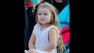 ベッカム娘がディズニーランドで着ていた白ドレスが完売