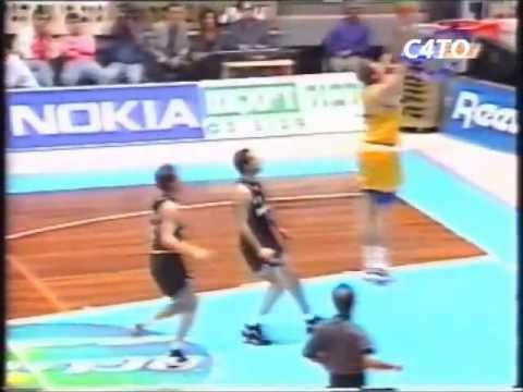 NBA legend Tom Chambers playing for Maccabi Tel Aviv in 1996