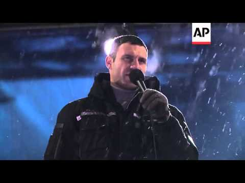 Opposition issues ultimatum to Yanukovych vowing to fight for protest movement