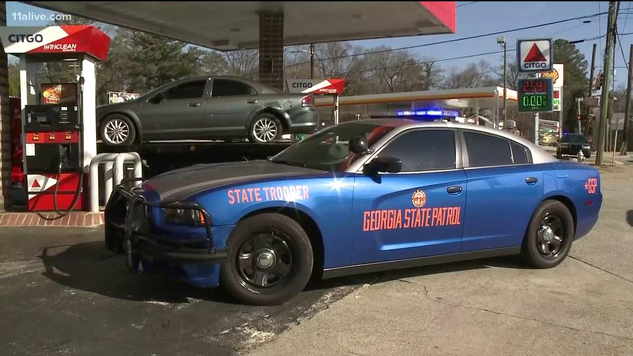 suspect steals georgia state patrol car after chase crash youtube. Black Bedroom Furniture Sets. Home Design Ideas