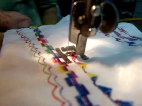 Singer 40A Singer Sewing Machine 40 Needle Embroidery DEMO YouTube Inspiration Singer Sewing Machine Embroidery