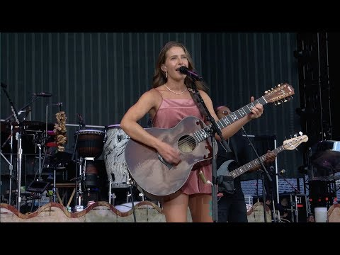"Caroline Jones - ""Worth The Wait/Danny's Song"" (Live Opening for Jimmy Buffett and The Eagles)"