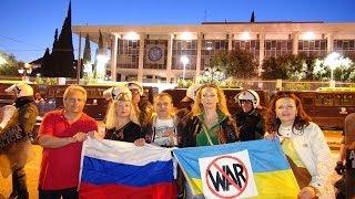 В Афинах прошел митинг в поддержку юго-восточной Украины(Полная версия. Митинг в поддержку жителей востока и юга Украины прошел 6 мая 2014 года в центре Афин под грече..., 2014-05-07T19:36:17.000Z)