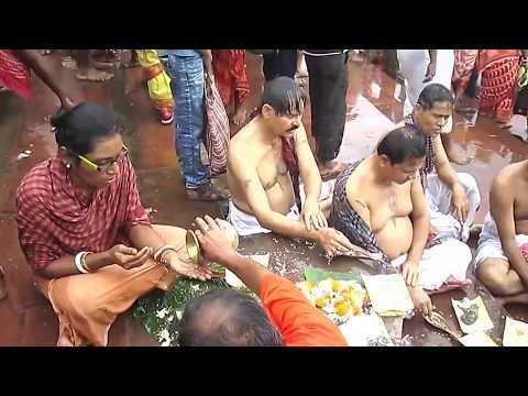 People religious bathing at river Ganges (Ganga nadi ghat) for Mahalaya Tarpan on 2017