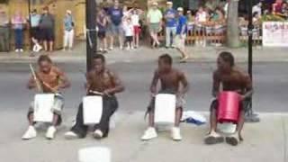 Street drumers in chicago