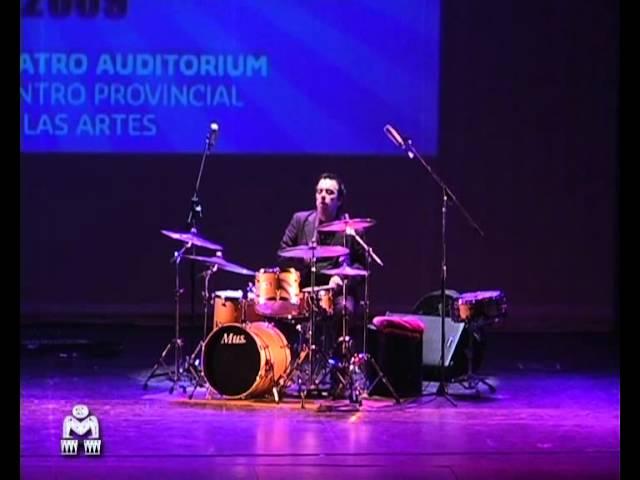 Oscar Giunta en 6° Festival Mar del Plata Percusión - Oct. 2009 - Argentina.