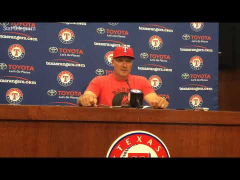 Jeff Banister proud of night, from Pudge's ceremony to 8-3 win over Astros