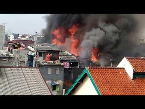 Kebakaran hebat di jakarta barat