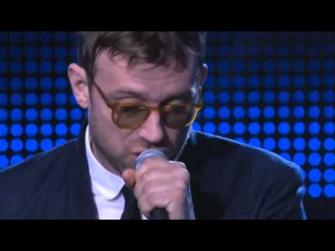 """Damon Albarn Performs """"Lonely Press Play """" (Le Grand Journal)"""