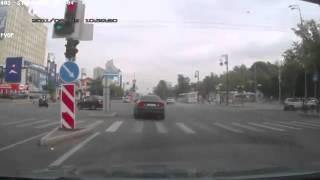 ДТП на перекрёстке. Проезд на красный