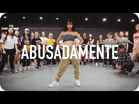 GRINGOS ARRASAM DANÇANDO ! ABUSADAMENTE,  Eles humilharam! (1MILLION Dance Studio - FUNK)