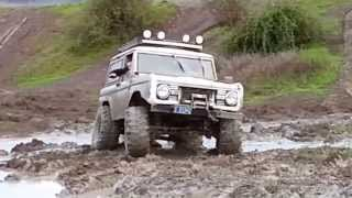 Early Bronco Lots Of Mods Playing Off Road