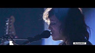 Charlotte Gainsbourg - Runaway (Live Au Théâtre Antique D'Arles) [HD]
