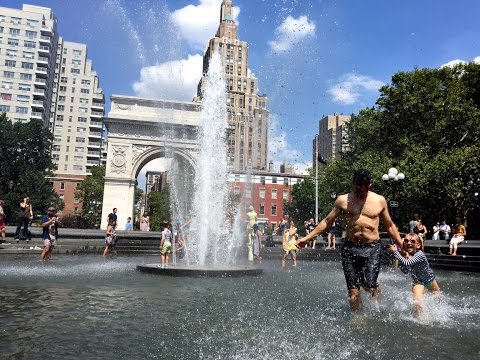 Washington Square Park NYC - best nyc fountain for splashing