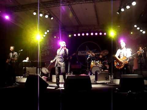 Giuliano Palma & the Bluebeaters - Testarda io (La mia solitudine) LIVE