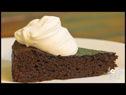 Old Fashioned Molasses Cake (a.k.a Gingerbread Cake)