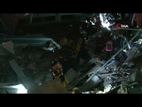 حادث اصطدام قطار سريع بجرار في أنقرة وسقوط قتلى وعشرات الجرجى …  - 07:53-2018 / 12 / 13