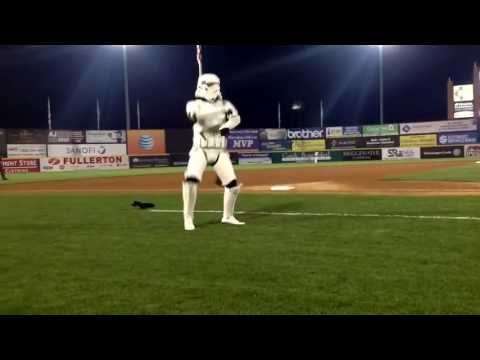 Stormtrooper goes Gangnam Style!