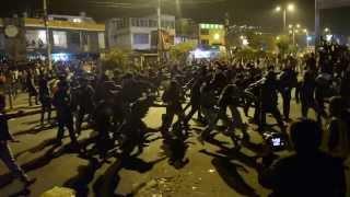 Mosh callejero en  concierto de Metallica (Quito - Ecuador)