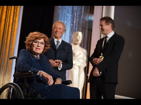 Maureen O'Hara receives an Honorary Award at the 2014 Governors Awards