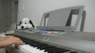 """""""No ai do ca the gioi"""" on piano"""