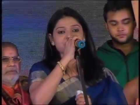 Dr Kumar Vishwas show  Must watch till last