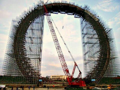 Construction of the World's Tallest Ferris Wheel