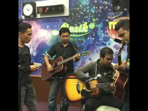 Selamat Malam Kuala Lumpur live @Galaksi Radio