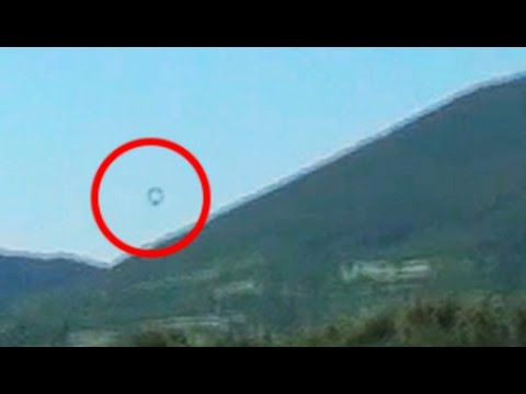 Mysterious UFO Flies Across SLOVAKIA MOUNTAINS! 2015