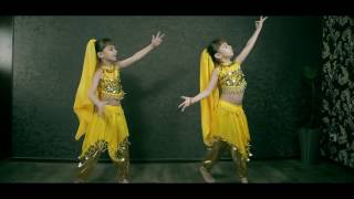 Смотри! Близняшки Танцуют Индийский Танец