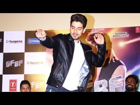 Sooraj Pancholi DANCES On GF BF Song At Launch Event