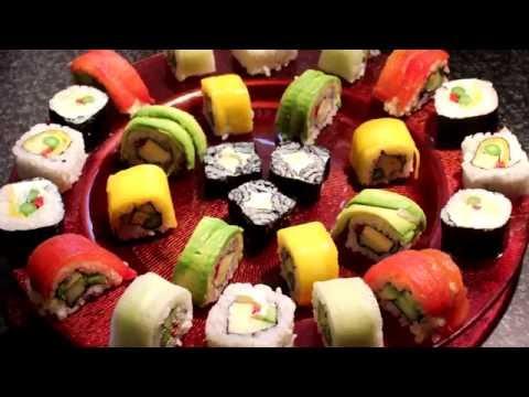 Vegetarian sushi. Inside-out sushi rolls.