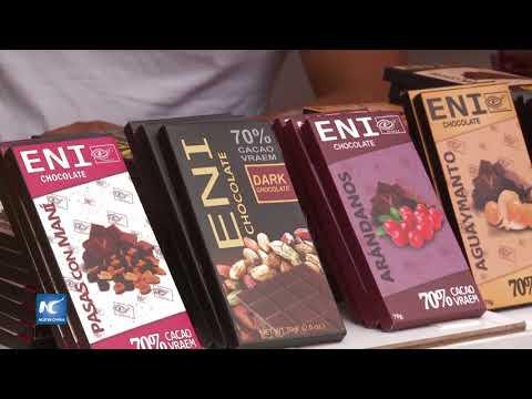 Ex productores cocaleros ofrecen cacao nutritivo en capital peruana