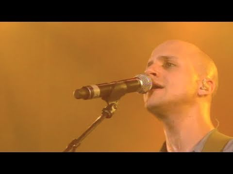 Milow - Little in the Middle (Official Live)