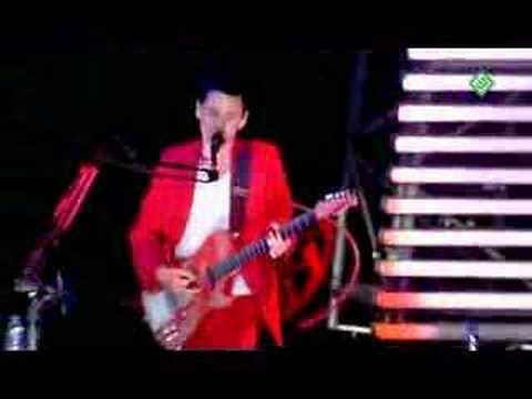 Muse - Supermassive Black Hole live at PinkPop 07