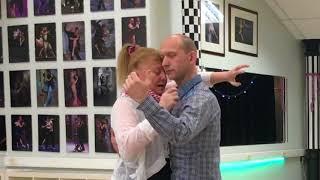 Posture of tango, step, abrazo. 1 часть 1-го урока с Эльвирой Малишевской