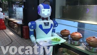 Robots Are The Waiters At This Restaurant